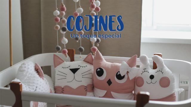 Cojines como decoración de la habitación
